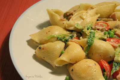 Grande Conchiglie Carbonara