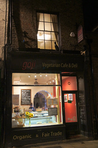 Vegan MoFo from afar - vegan meals in York, thanks to Goji Cafe