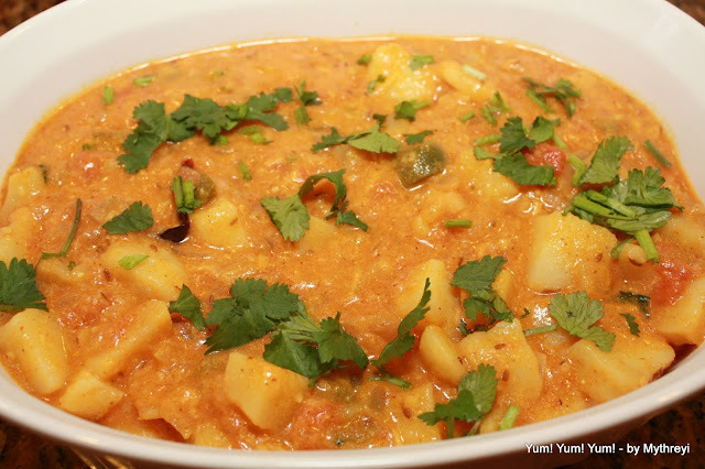 Aloo Kurma ~ Potatoes Gravy with Yogurt and Spices
