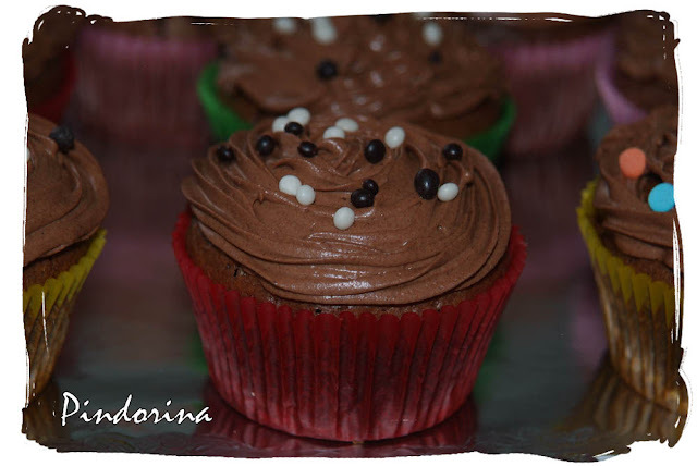 CUPCAKES DE BROWNIE CON GANACHÉ DE CHOCOLATE