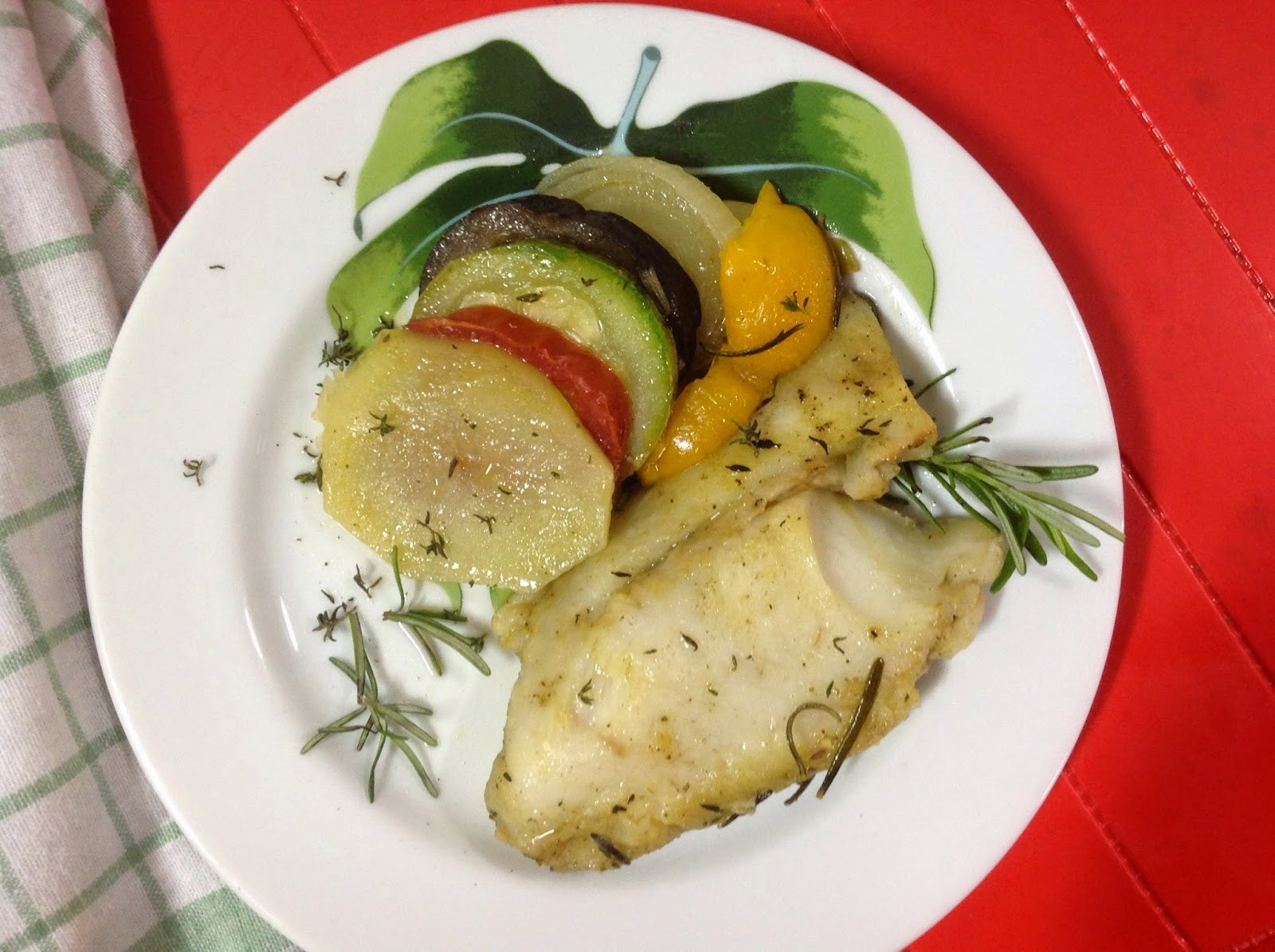 Peixe assado no ratatouille