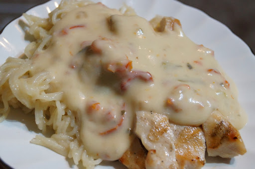 Grilled Chicken with Creamy Sun Dried Tomato and Basil Sauce