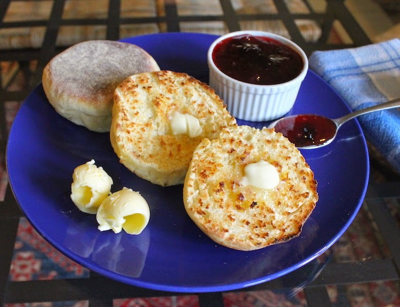 Homemade English Muffins #NationalHomemadeBreadDay #MuffinMonday