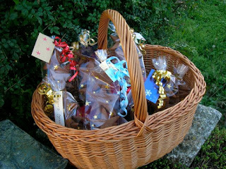 Christmas Hampers, Food Gifts & Nibbles