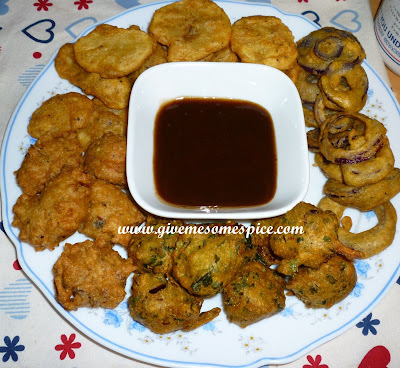 Mixed Bhajias  (Fried pokoras)