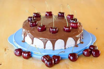 Very cherry chocolate cake (LCHF)