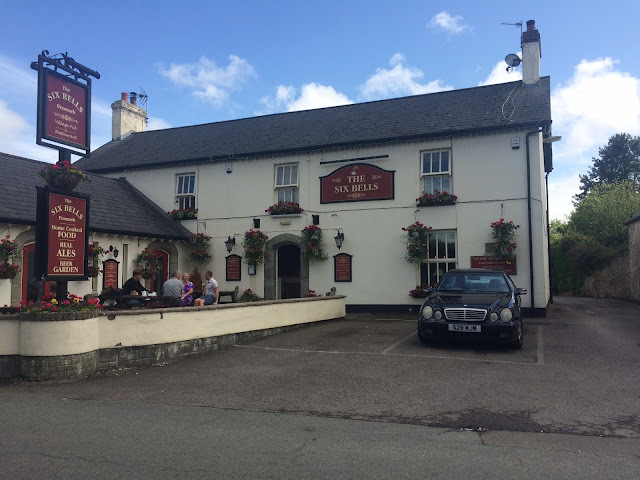 Sunday Lunch-ing in the Vale - Restaurant Review: The Six Bells, Penmark