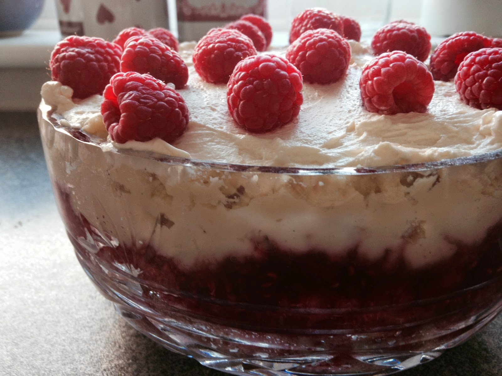 trifle using amaretti biscuits