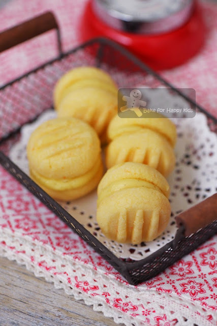 Are these Melting Moments or Yo-Yo Biscuits or German Cookies 德式酥饼?