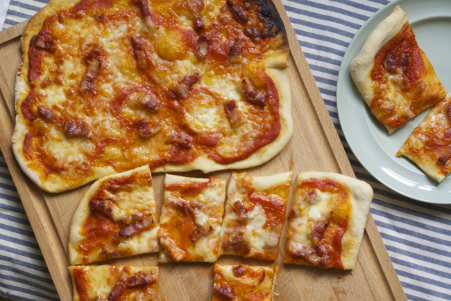 Recipe: Proper pizza with a no cook tomato sauce