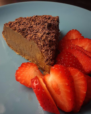 Rawfood: Silky vegan chocolate mousse pie