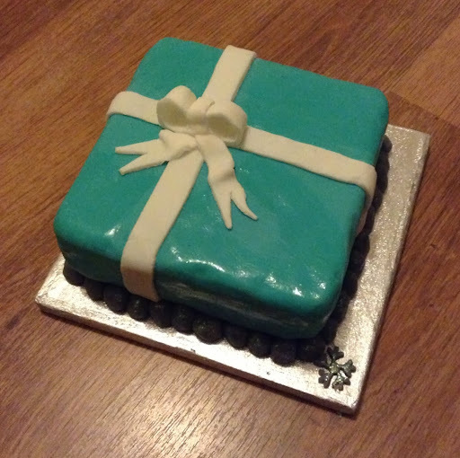 Christmas Cake (makes a great last minute present!)