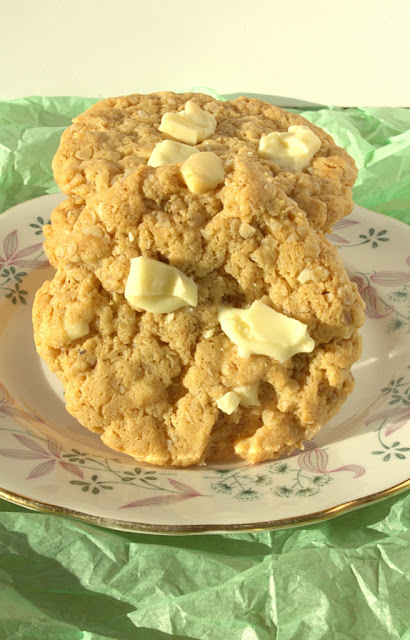 Flourless White Chocolate and Peanut Butter Cookies