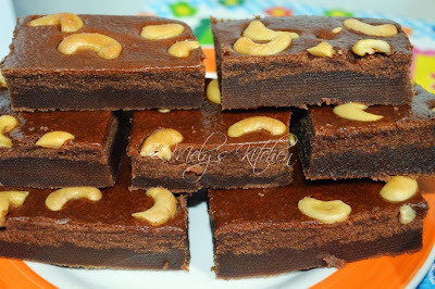 Eggless Cashew Brownies