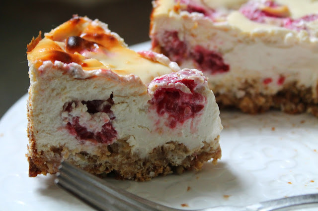 White Chocolate & Raspberry Protein Cheesecake