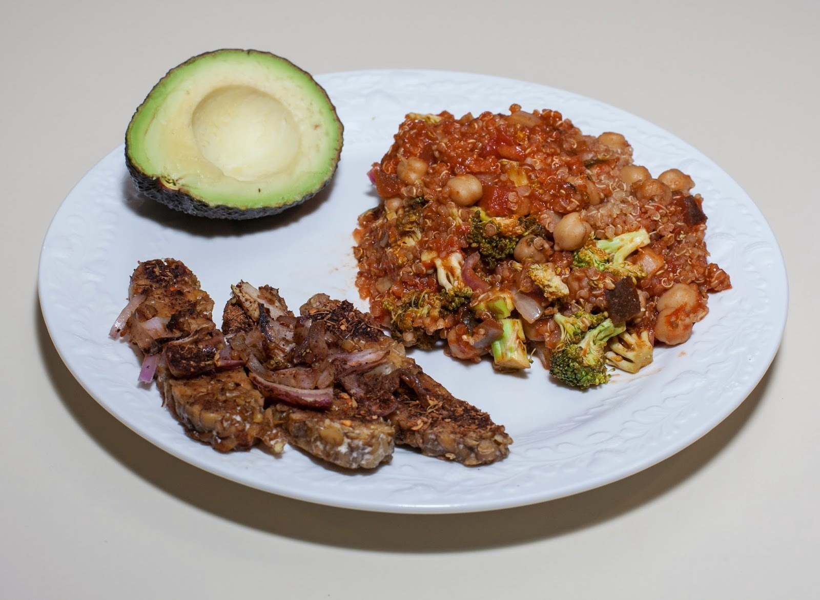 Cooking chickpeas in a pressure cooker: Chickpea with Quinoa, Broccoli, and Marinara served with Jerk Tempeh and Avocado