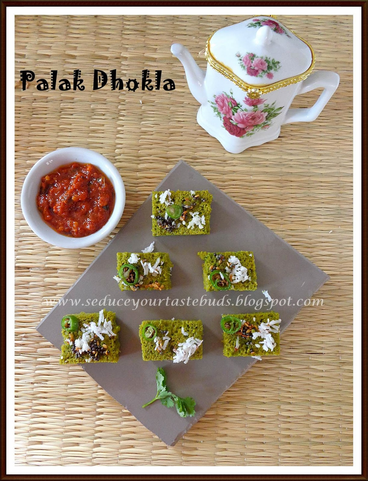 Palak Dhokla - Two ways...