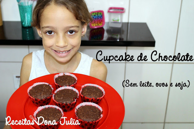 CUPCAKE DE CHOCOLATE (SEM LEITE, OVOS E SOJA) #RECEITA VIDEO