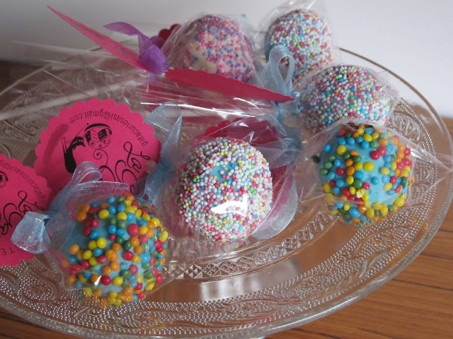 CAKE POPS DE CHOCOLATE Y NARANJA