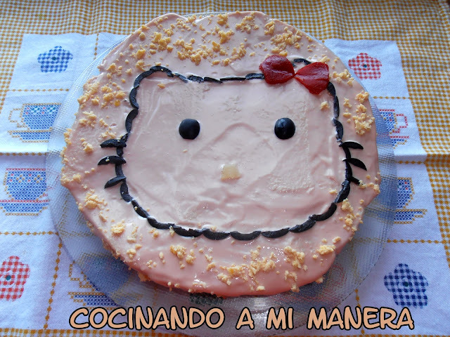 TARTA SALADA HELLO KITTY
