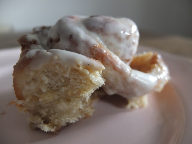Food: Cinnabon recipe - Perfect Cinnamon Buns