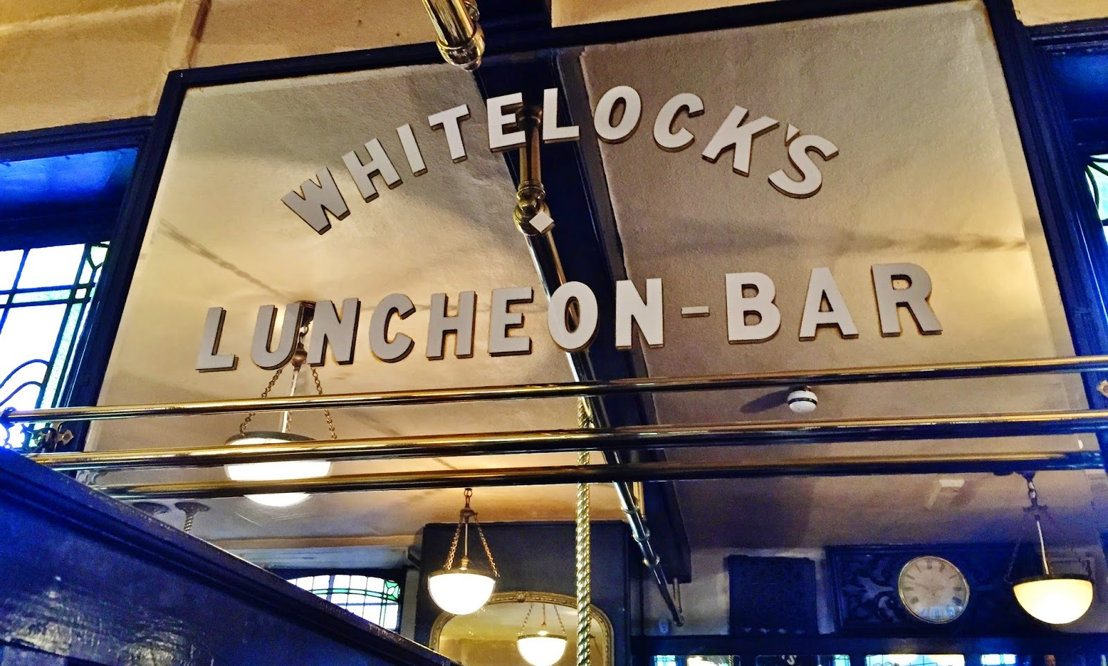 Whitelock's Ale House - Sunday Lunch - Leeds City Centre