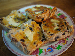 nigel slater hot cross bun bread and butter pudding