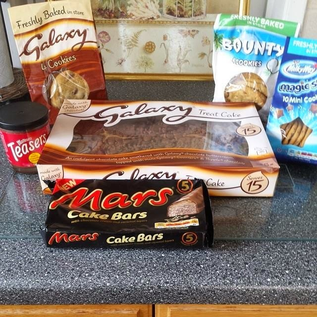 Mars Cakes and Cookies Review