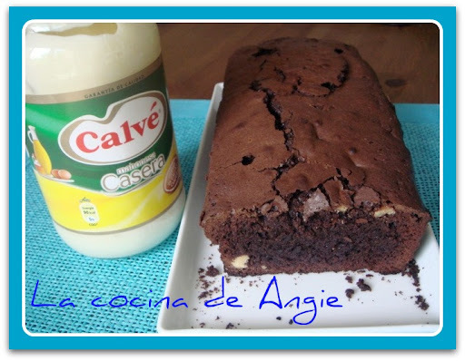 "BROWNIE DE CHOCOLATE CON MAHONESA ""CALVÉ"""