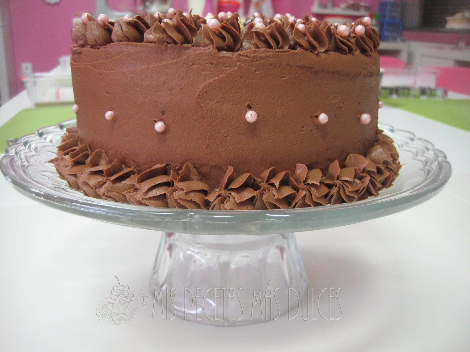 LAYER CAKE DE CREMA DE CHOCOLATE Y CONGUITOS