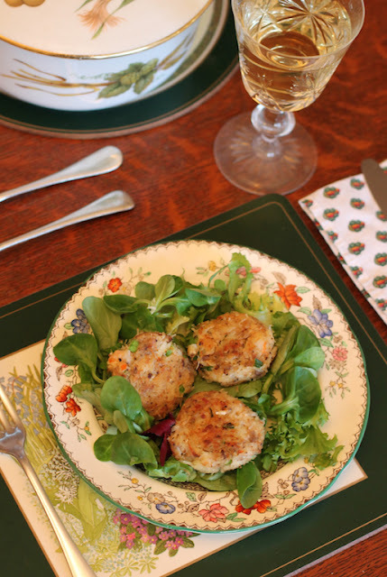 Mini Party Crab Cakes #SundaySupper