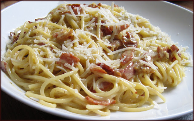Creamy Spaghetti alla Carbonara - Easy Recipe