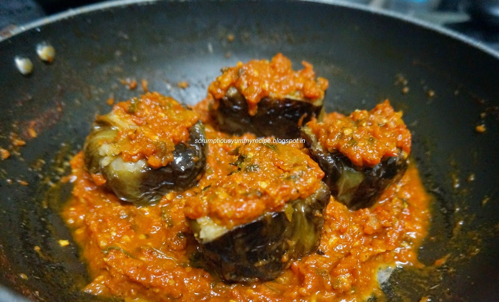 Stuffed Capsicum with gravy | Bharwa Shimla Mirch | Stuffed bell pepper