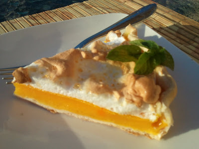 Grapefruit meringue pie  (Pie de Pomelo)