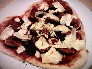 Fig, olive & goats cheese pizza