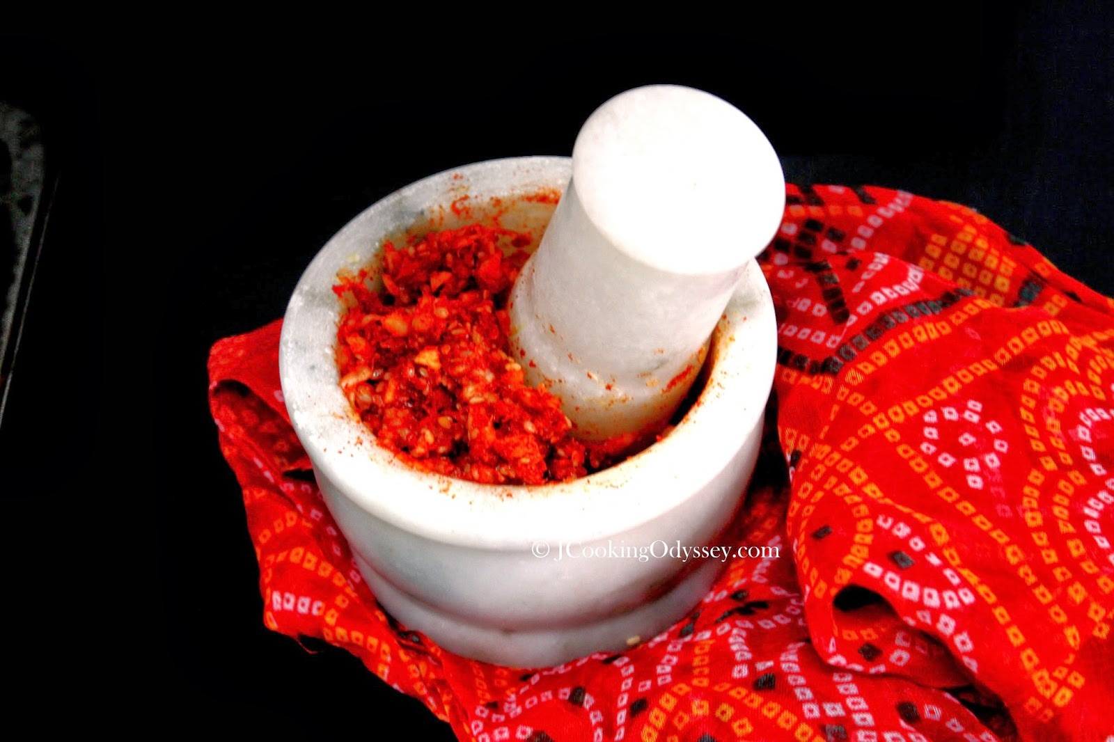 Versatile Garlic Chutney / Masala - Ramp Up The Red !