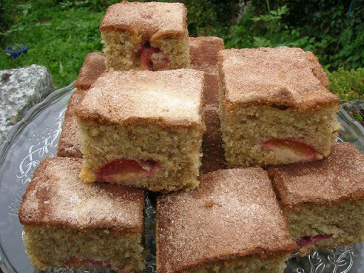 victoria sponge cake recipe made with sunflower oil