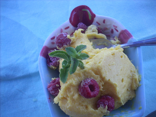 Mango  and cardamom Ice Cream