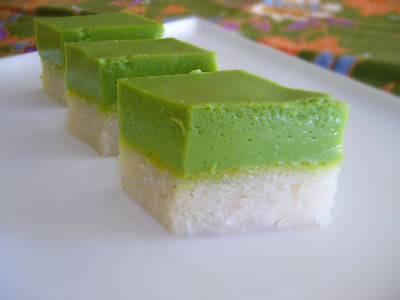 Kuih Seri Muka / Glutinous Rice with Egg Custard...