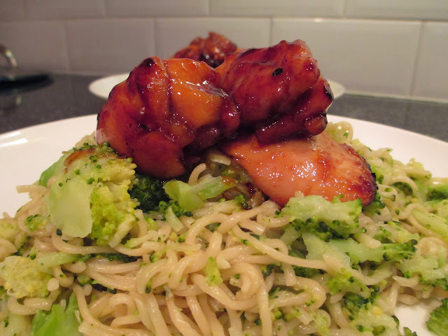 Sticky Chicken thighs and noodles (How to bone out chicken)