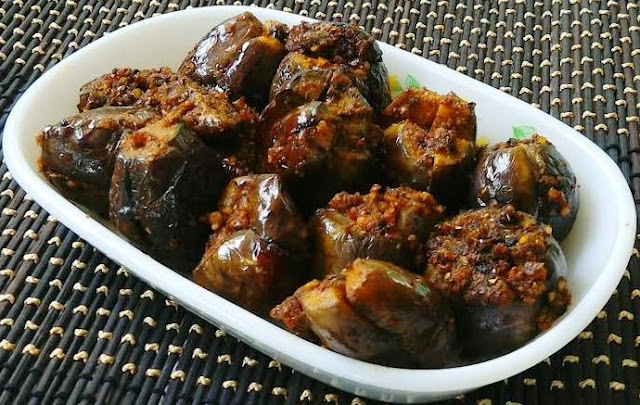 Stuffed Brinjal  (Eggplant)  Curry