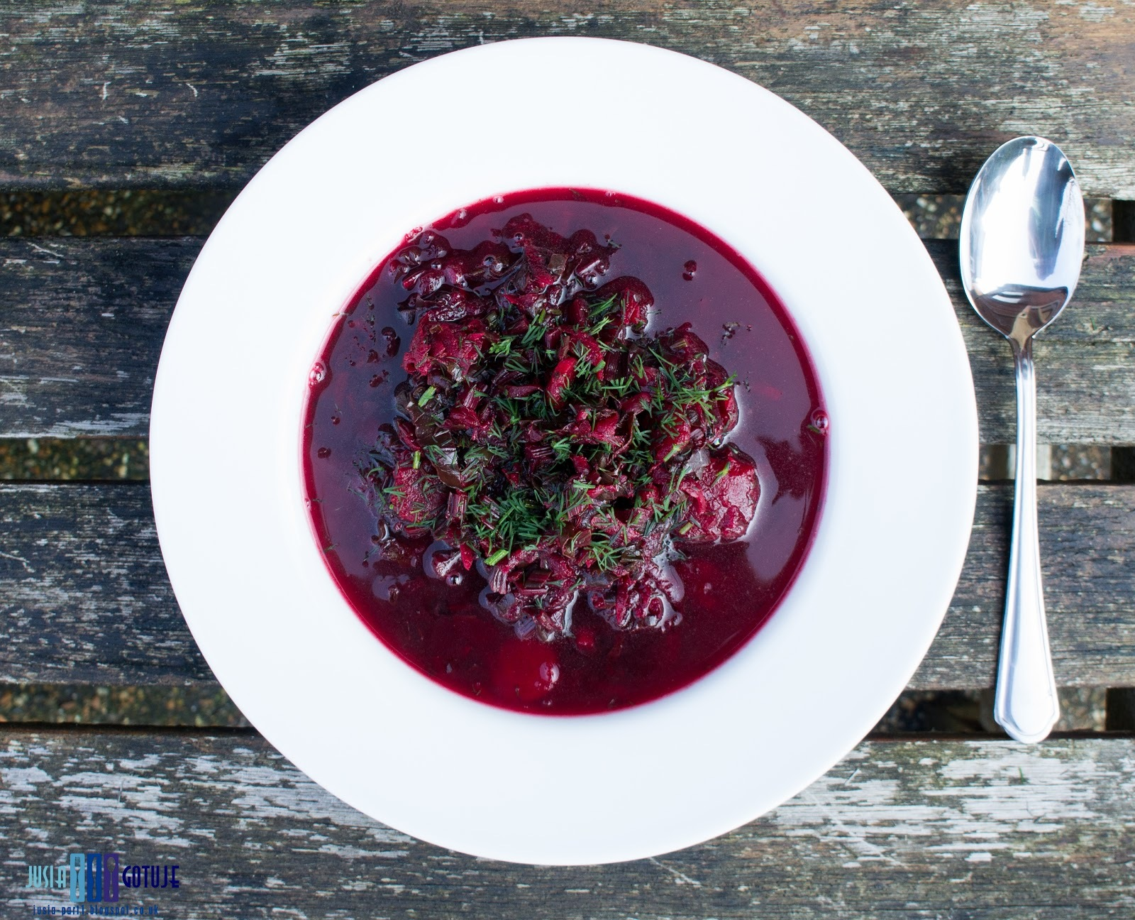 Botwinka z marchewką i ziemniakami. / Beetroot leaves soup with carrot and potatoes.