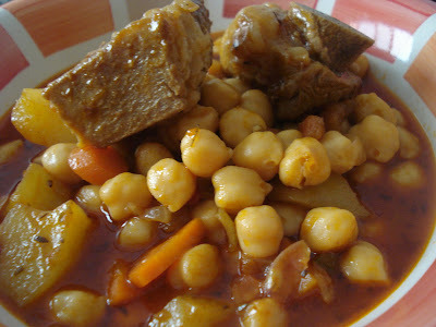 GARBANZAS CON COSTILLAS