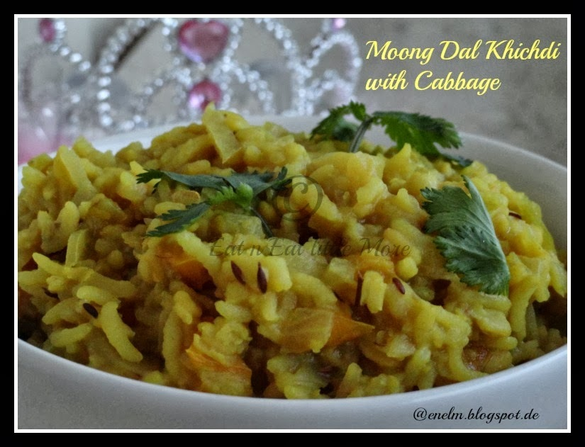 Moong Dal Khichdi with Cabbage/Moong dal Porridge with Cabbage