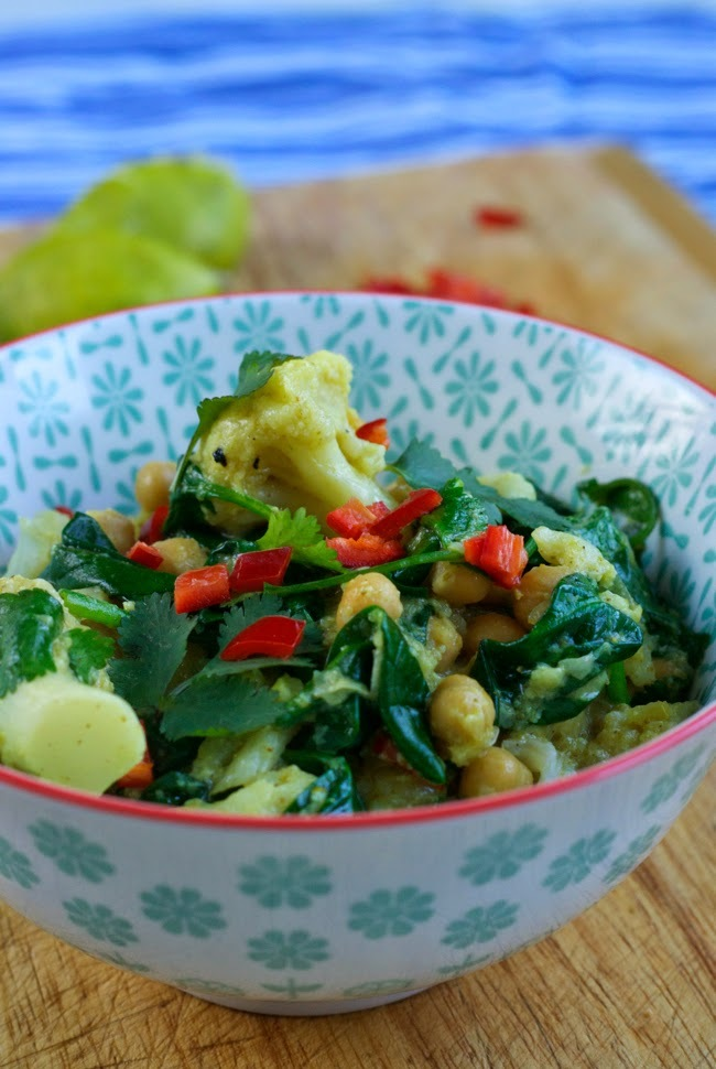 Cauliflower, chick pea and spinach curry (kid friendly)