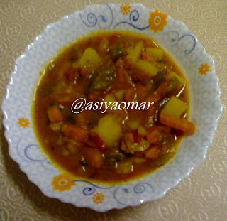 Mixed Vegetable Curry in Tomato Gravy