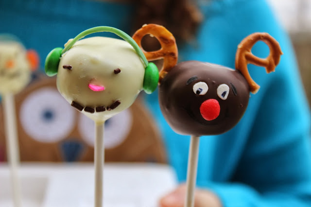 Reindeer and Snowman Cake Pops for the Holidays...