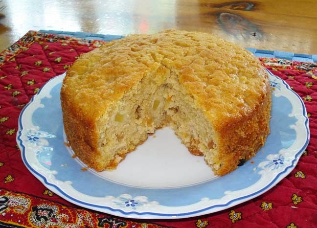 Apple Cake with Raisins - quick and easy - small cake