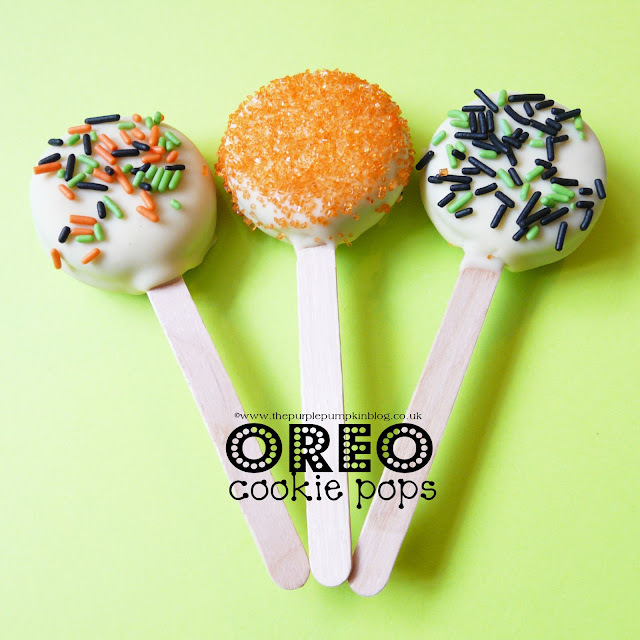 Oreo Cookie Pops {Crafty October - Extras!}