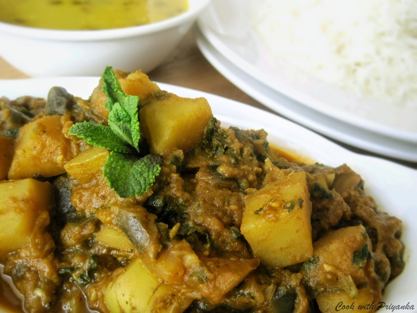 Mommy's Lehsuni Aloo Baigan (Aubergines and potato with garlic n spices)